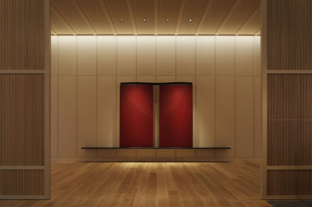 Lobby at the RITZ CARLTON in Nikko. Artwork by Shintaro Tanaka. Public areas and Rooms by LAYAN architects+Designers
